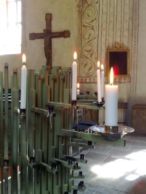 ljus i kyrkan
