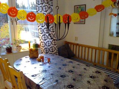 Halloweengirlang och duk