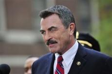 Han som var privatdetektiven Magnum på 1980-talet har blivit polischef Frank Reagan 2010 i Blue bloods. (Bilden är lånad från TV4:s hemsida.) - 6406092841
