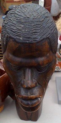 8 Afrikanskt huvud