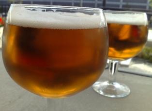 Två kupor öl