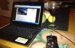 Lilla datorn o ett glas vin hos Anna