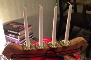 adventsljusstake i trä för stearinljus