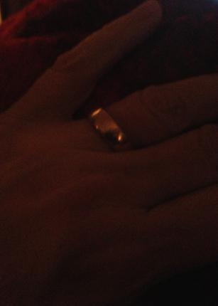 Hand m ring