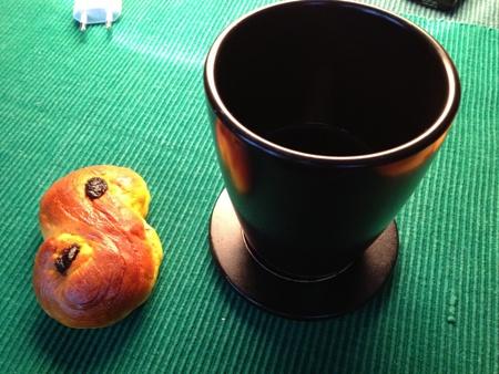 Svärmors lussekatt o eget kaffe i senapsmugg