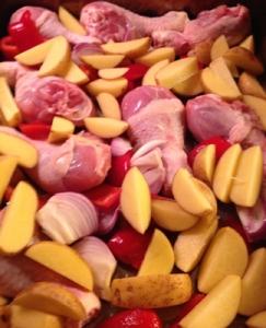 Kyckling potatis o grönsaker på plåt