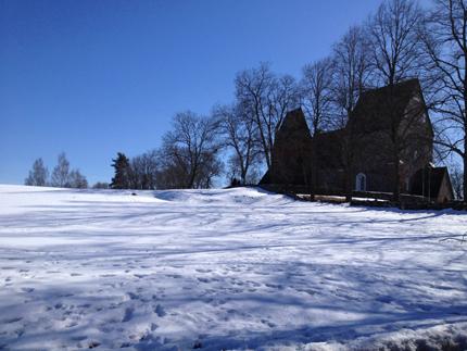 Mycket snö kvar i Gamla Uppsala