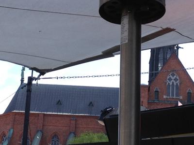 10 Domkyrkan i bakgrunden