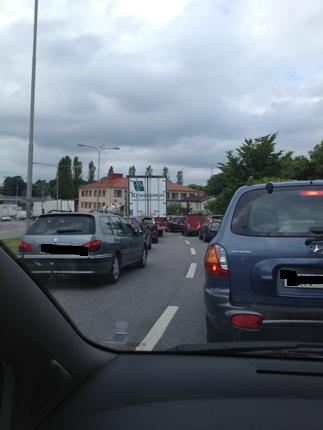 Långa bilköer på grund av en sån där #¤%&£ broöppning.