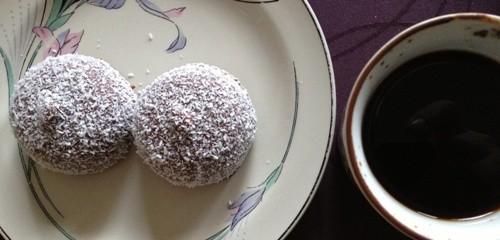 Kokosbollar o kaffe