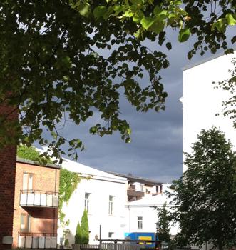 Mörka moln vita hus