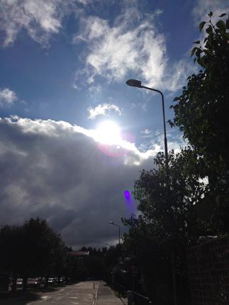 Solen på väg bakom moln