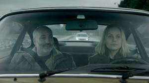 Martin och Saga i bilen