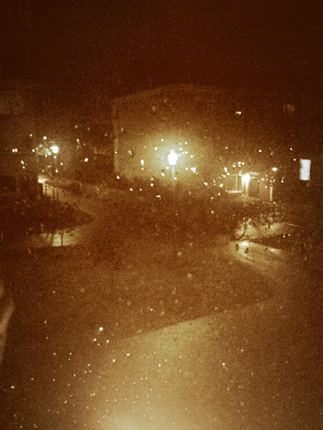 Regnig kväll i sepia