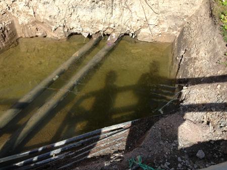 Skuggor i sunkigt vatten