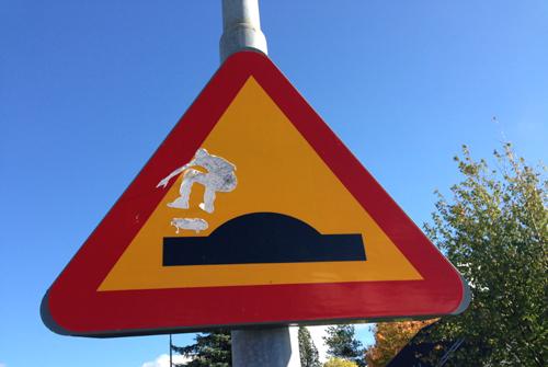 Varning för skateboardåkare