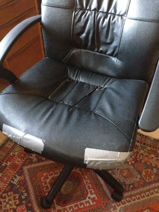 skrivbordsstol med silvertejp