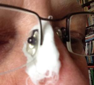 bomull på näsan