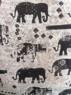 Elefanter på Annas tischa