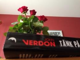 Rosor och bok
