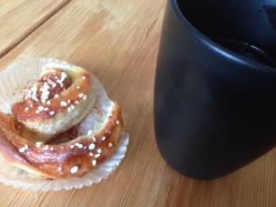 Kanelbulle och kaffe hos Anna