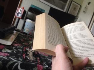 Soffläge med bok