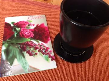 Vackert kort och kaffe
