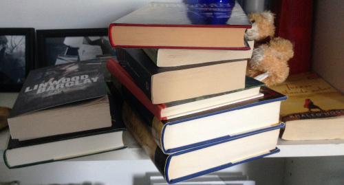 Bokhögar fådda fr Mor Köpta Emmaus Lånad fr Nillan