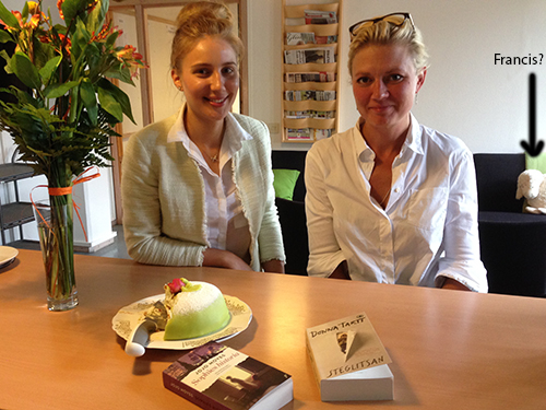 Kristina Mia Francis blommor tårta böcker