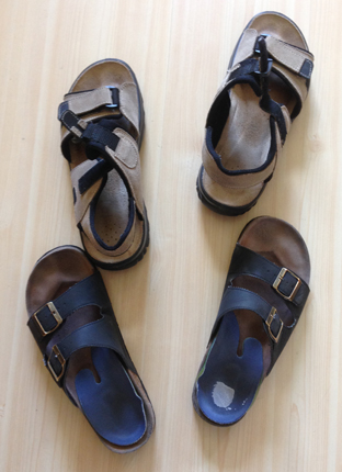 Sandaler två par