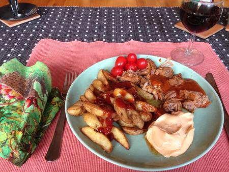 Pulled turkey med sås klyftor och vin