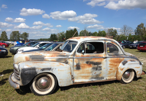 Rostig gammal bil