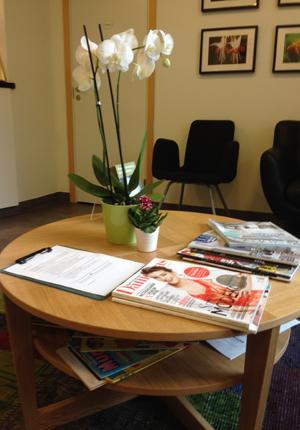 Orkidé o tidskrifter i väntrum