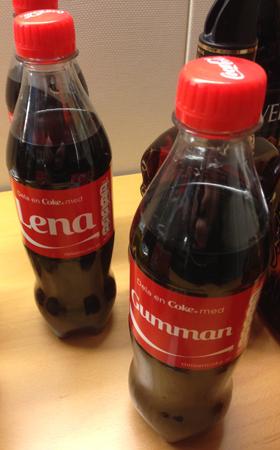 Lena Gumman coca colaflaskor