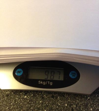 Manus väger 987 gram