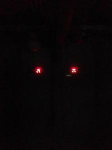 Två röda lampor