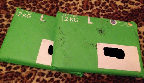 Två gröna kuvert
