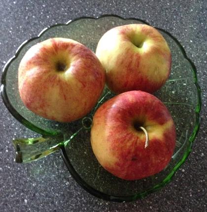 Tre äpplen i min äppelskål