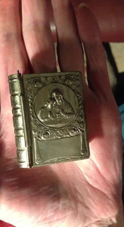 Silverask med bibelord