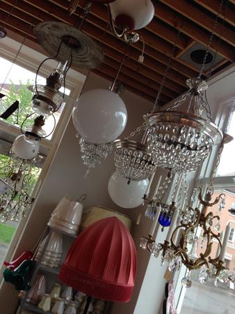 Lampor på Lystra Antik