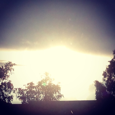 Sol i molnkanten