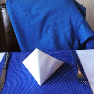 Min blåa tröja matchar inredningen