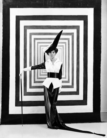 Audrey Hepburn fotad av Cecil Beaton 1963
