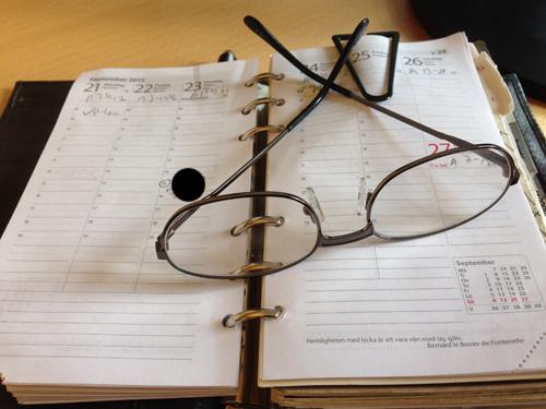 Kalender och läsglasögon