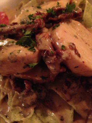 Filetto di pollo alla Milanese con pappardelle