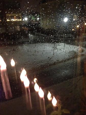 Regn på fönstret