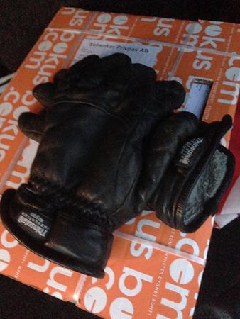 Handskar på Bokuspaket