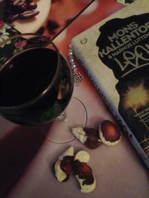 Vin choklad och boken Leon