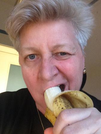 Jag äter en banan