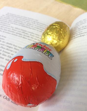 Bok och chokladägg